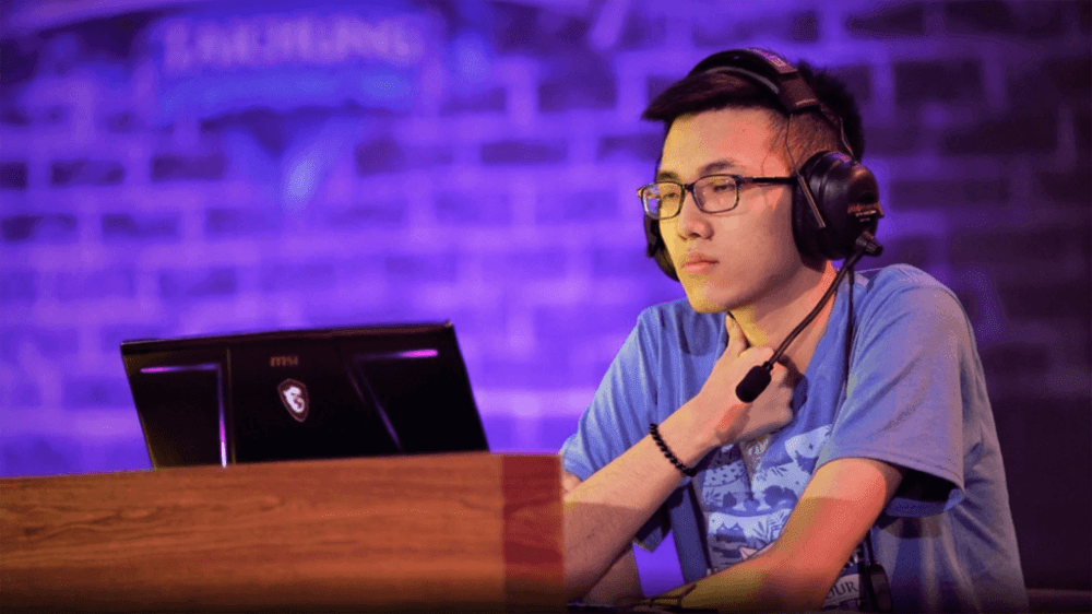Киберспотсмен, отстраненный за поддержку протестам в Гонконге, ответил на заявление Blizzard